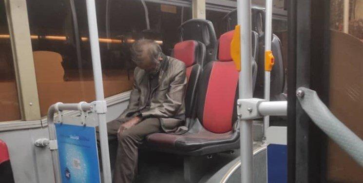 پیدا شدن مرد مُرده در اتوبوس واحد تهران/ عکس