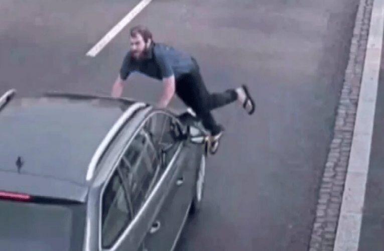 ببینید | خودکشی عجیب یک مرد با پریدن جلوی ماشین!