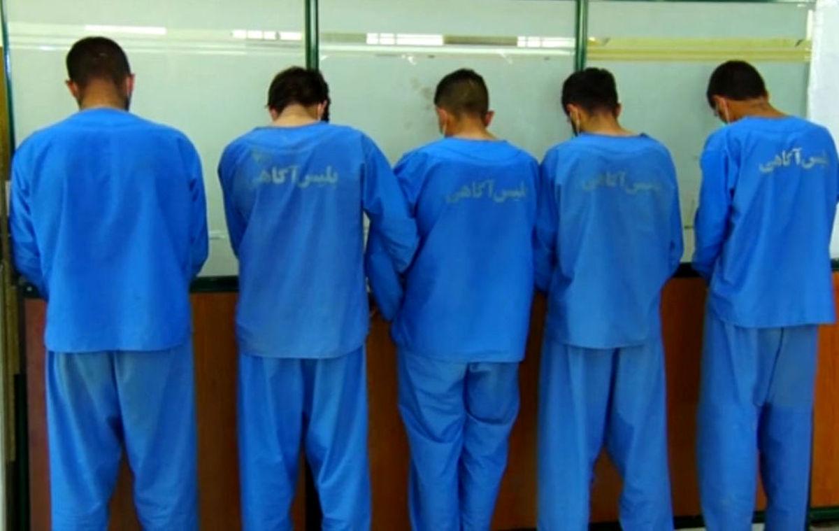 تعطیلی دورهمی توسط پلیس / دستگیری 13 زن و مرد مست یاسوجی