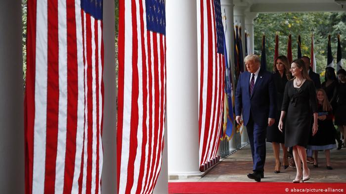 گمانهزنیها پیرامون سرنخ زنجیره ابتلا به کرونا در کاخ سفید/فیلم