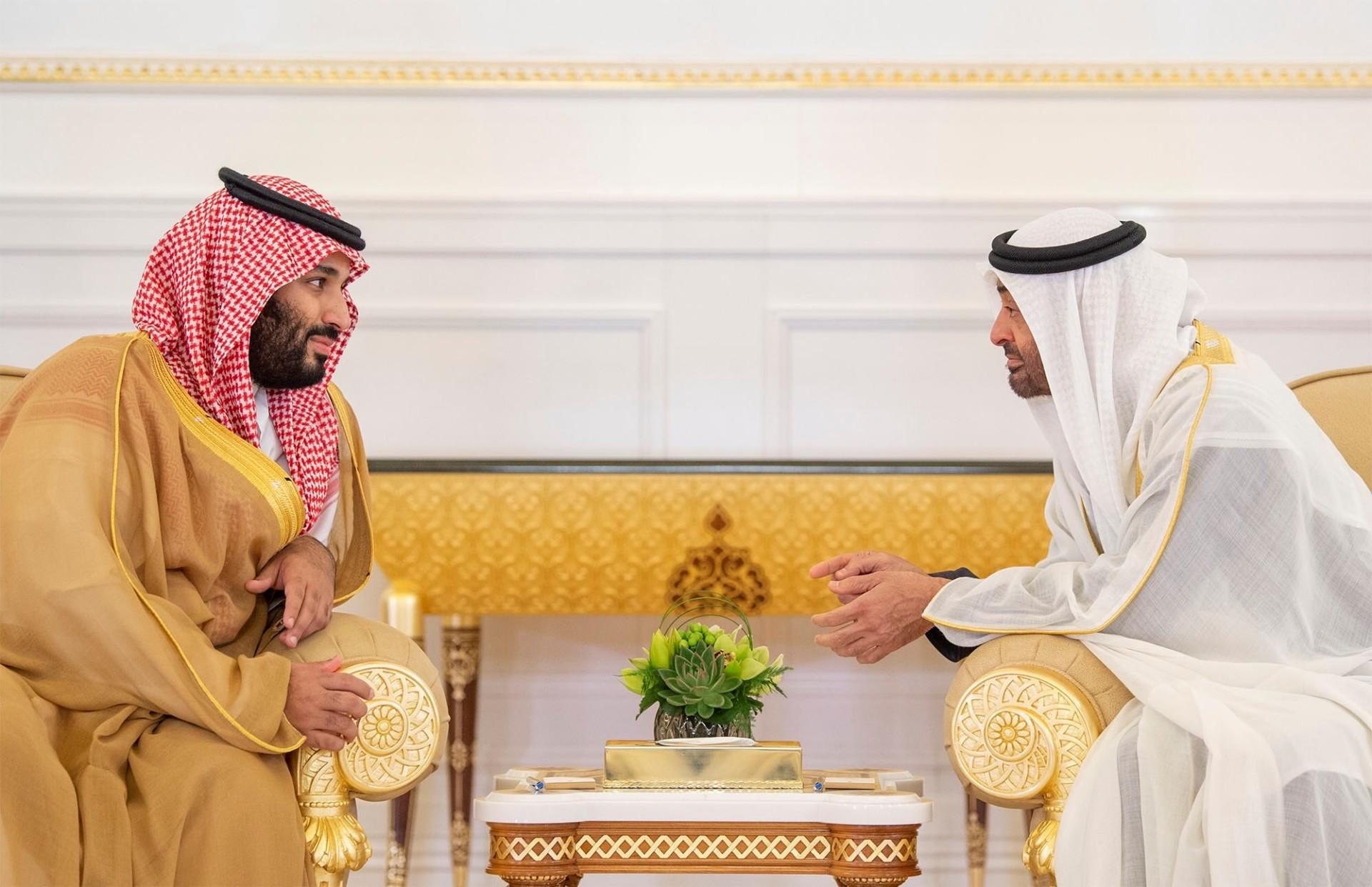رقابت عربستان و امارات در عین رفاقت / آیا بن زاید را باید آموزگارِ بن سلمان دانست؟